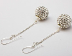 Серьги с кристаллами на цепочке - Диаметр шара: 12 мм Длина цепочки: 25 мм